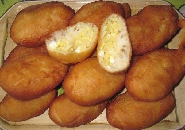 Пирожки с рисом и яйцом. Вкусные, готовятся быстро!!!