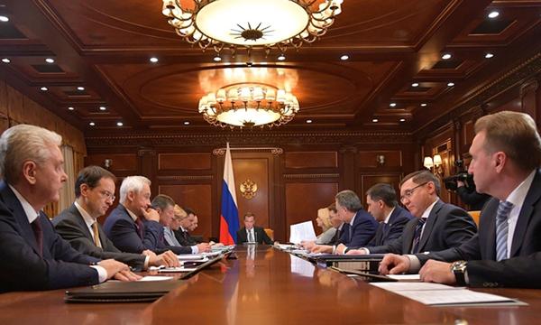 Медведев: Финансирование нацпроектов на ближайшие три года увеличилось до 5,7 трлн рублей