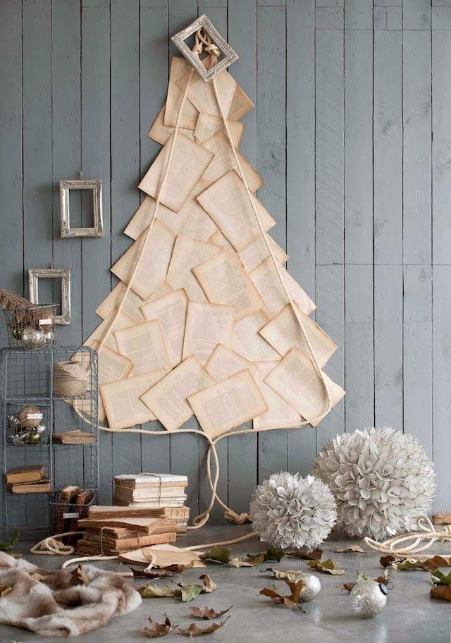 Имитация елочки на стене из книжных листов - оригинальный стиль винтаж всегда будет привлекать внимание