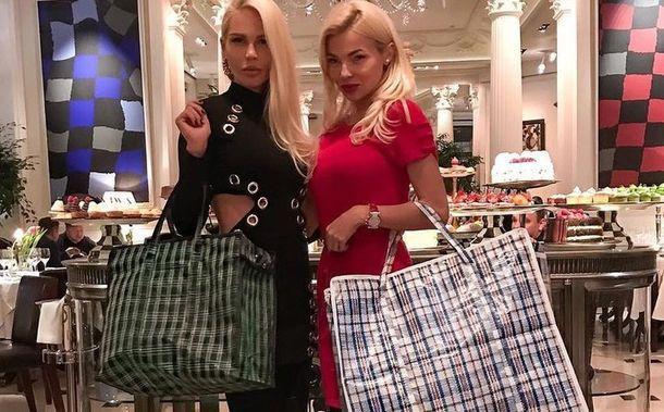 Россиянка похвасталась «челночной» сумкой за 120 тысяч рублей