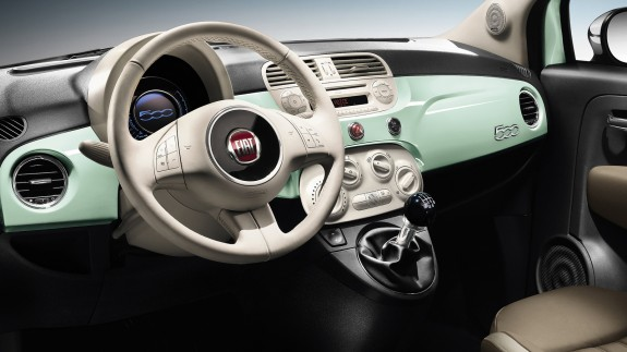 В России объявлен старт продаж обновленного Fiat 500