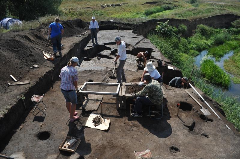 Место раскопок на Глебовом-Городище.
