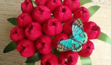 Крокусы из конфет и гофриров…