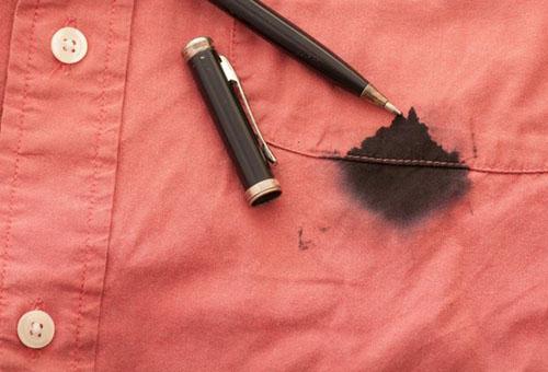 Как и чем можно вывести пятно от чернил шариковой ручки?