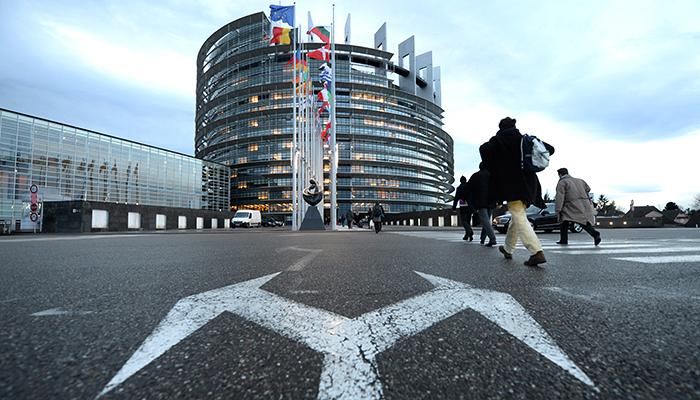 «Русский вопрос» разрывает Европу