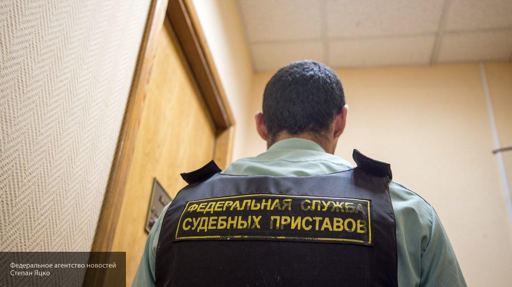 Долги за ЖКУ переселили петербурженку из собственного жилья в коммуналку