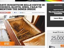 Мужчина продал через Интернет гроб, забыв вынуть из него скелет