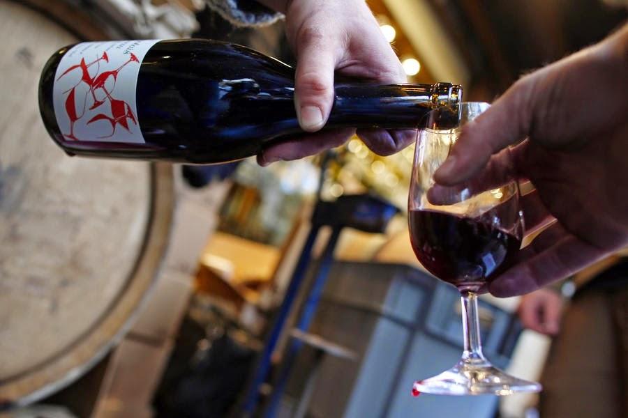 Исследование: умеренно пьющие люди живут дольше трезвенников