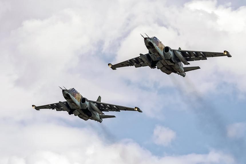 Русские фронтовые бомбардировщики разнесли позиции боевиков в Идлибе