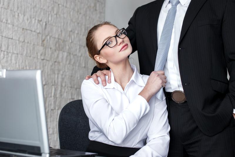 Секс с подчинённым: советы бывалой босс-леди