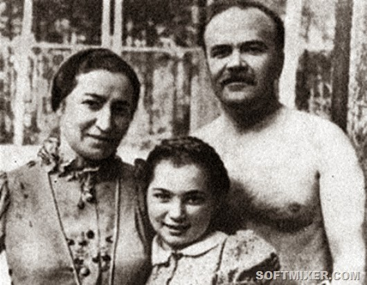 P.S.Zhemchuzhina-and-family