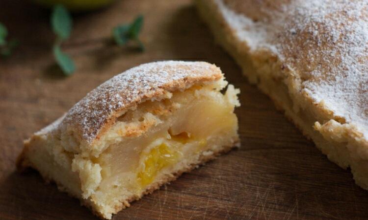 Оригинальный творожный пирог с яблоками и апельсинами