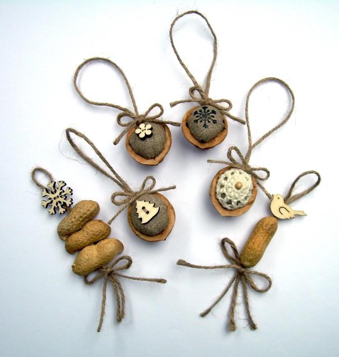 Фисташки и грецкие орешки для упаковки новогодних подарков (7) (660x696, 149Kb)