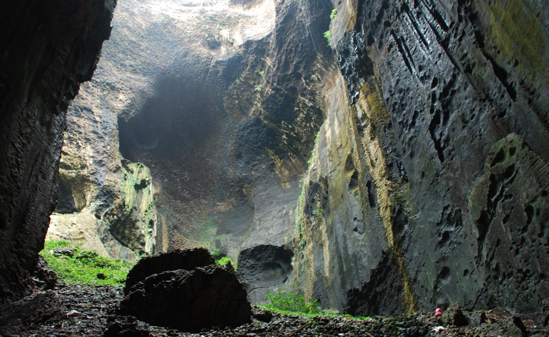 Одна из самых отвратных пещер мира