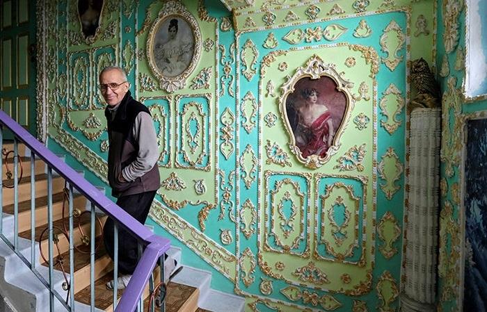 Назад в прошлое: киевлянин преобразил свой подъезд в настоящий дворец