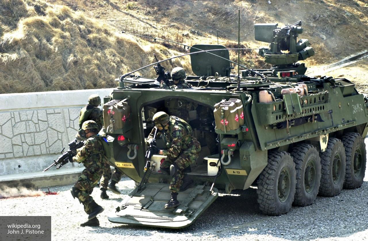 Новое оружие для Stryker: США пытаются догнать российский «Арбалет» по боевой мощи