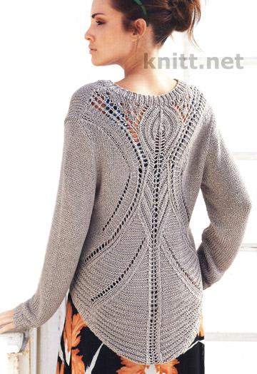 Вязаный спицами пуловер с ажурной спинкой