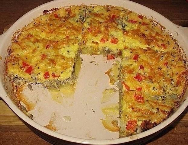Оригинальный пирог из рыбных консервов с картошкой. Очень вкусно!