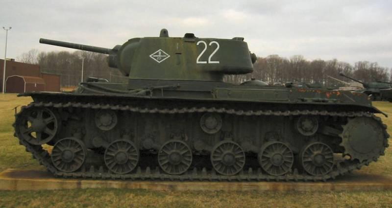 «Клим Ворошилов», выдержавший взрыв тонной бомбы