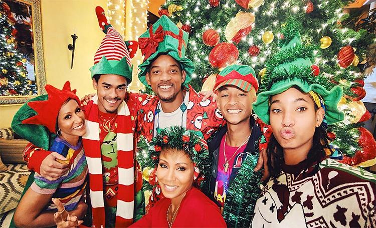 Merry Christmas: как зарубежные звезды провели Рождество