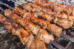 Мясо с ананасом. «Железные» правила полезного шашлыка