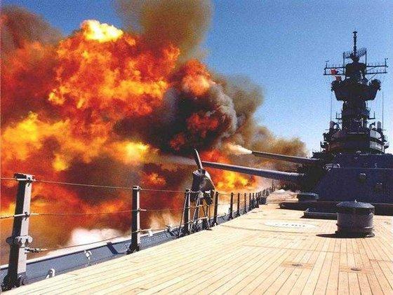 Кто кого: Россия и НАТО тренируются топить флоты друг друга
