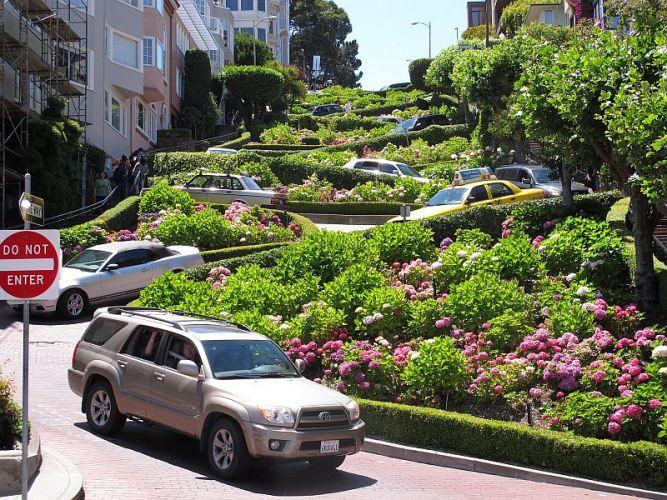 Ломбард-стрит — самая извилистая и красивая улица в мире