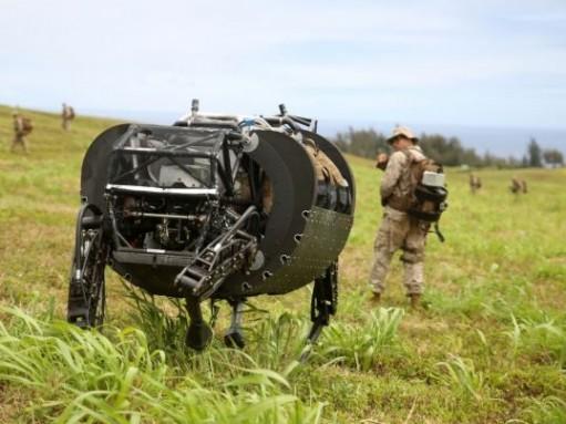 Американские морпехи тестируют автономный автомобиль и собаку-робота