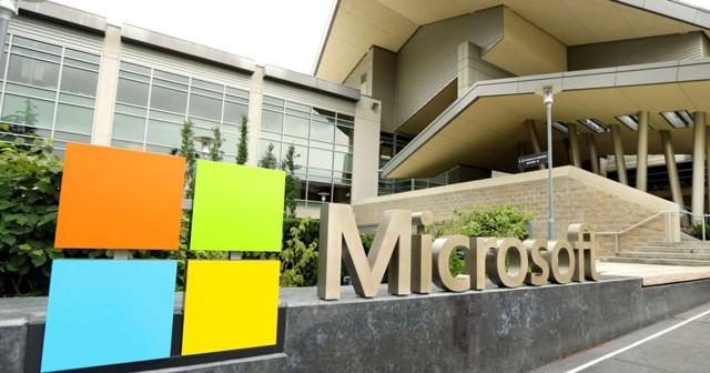 Microsoft разделяется, главный по Windows уходит