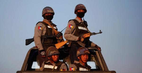 Тайские туристы, взятые взаложники вМьянме, освобождены