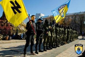 """Нацисты полка """"Азов"""" обещают пройти маршем по улицам Москвы с флагами Украины"""
