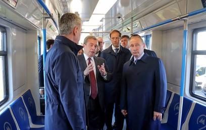 Собянин показал Путину новые образцы транспорта