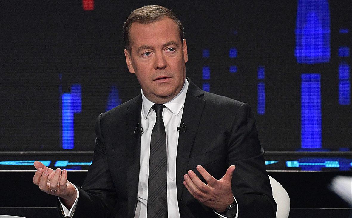 Чем помешали Медведеву советские нормативные акты?