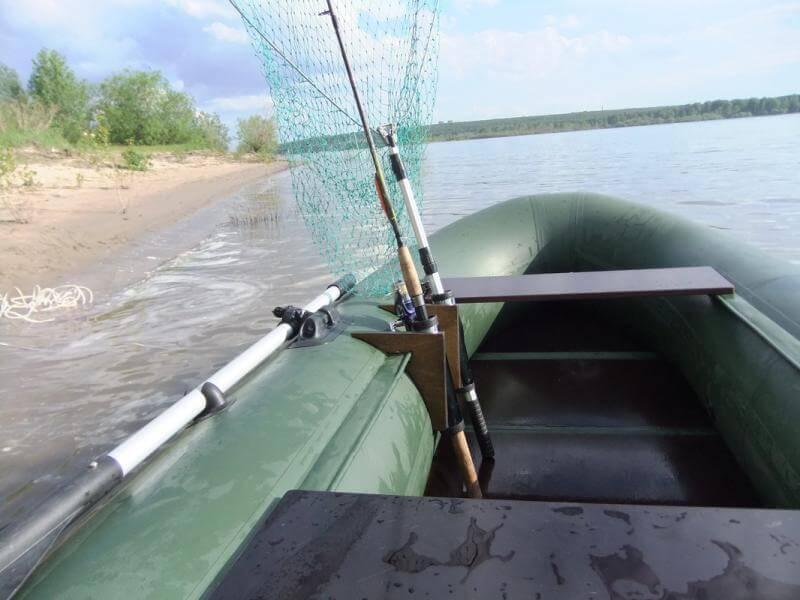 самодельные держатели спиннингов на надувные лодки