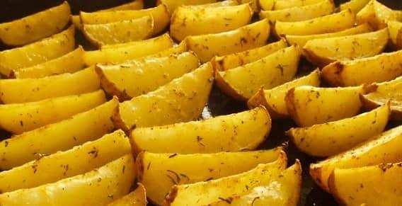 Картинки по запроÑу приготовить картофель по деревенÑки
