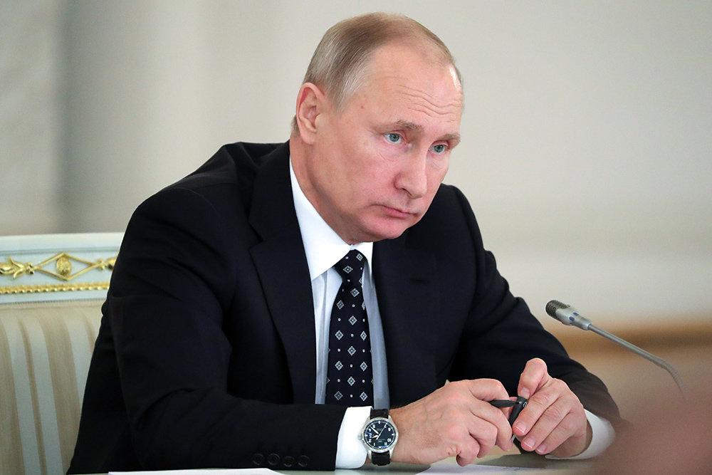 """Путин предостерег регионы от """"долговых ям"""""""