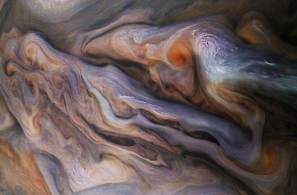 Джуно прислал новые фотографии шторма на Юпитере