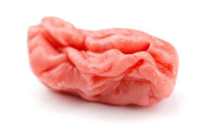 Эксперты тем не менее советуют не глотать жвачку но не по тем причинам о которых вы думали еда жвачка здоровье мифы