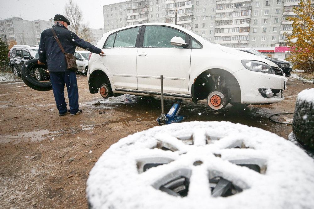 ГИБДД разъяснила, что за шины не по сезону штрафовать не будут