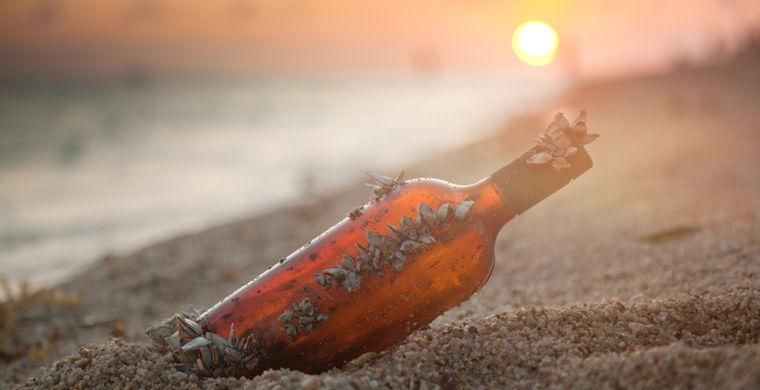Бутылка с запиской американской девочки доплыла до Франции