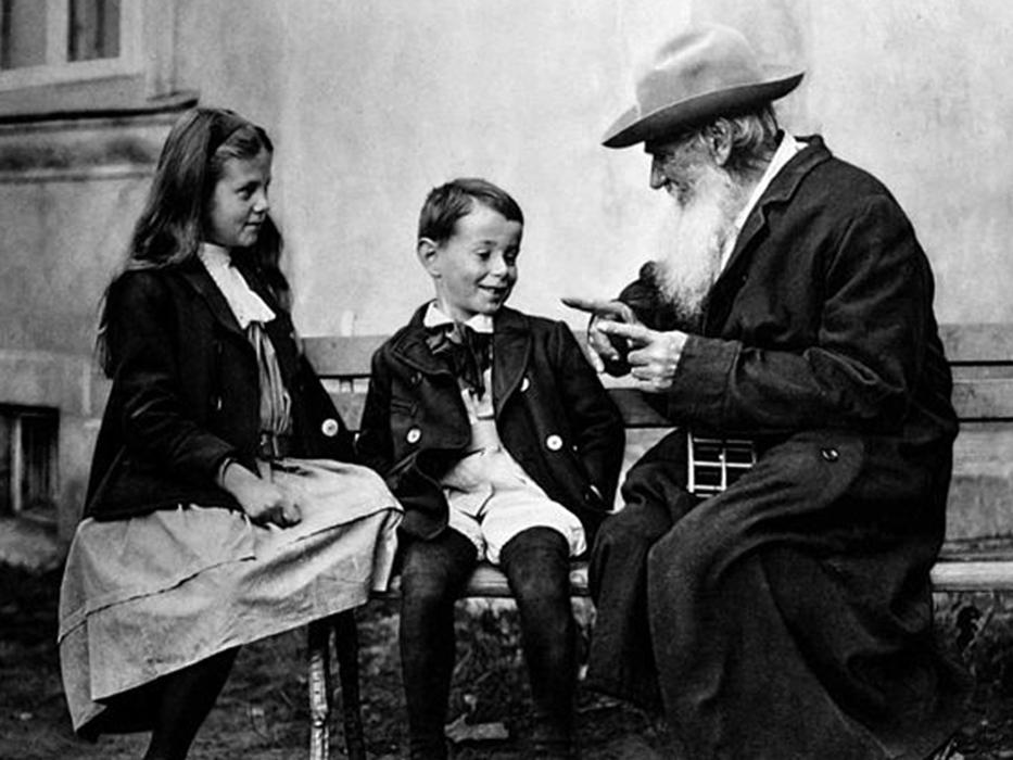 10 правил воспитания детей по Толстому