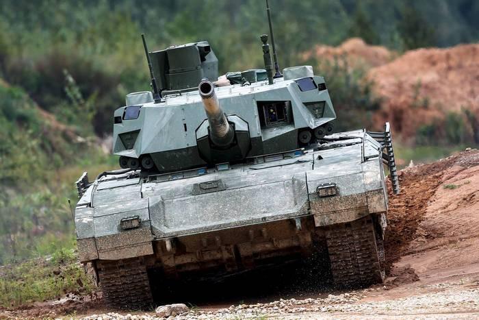 """Источник: серийное производство танков """"Армата"""" начнется в 2020 году"""