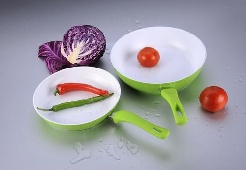 Картинки по запросу сковороду с керамическим покрытием
