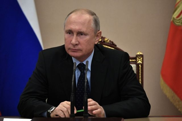 Путин попросил Козака доложить о сдерживании цен на нефтепродукты