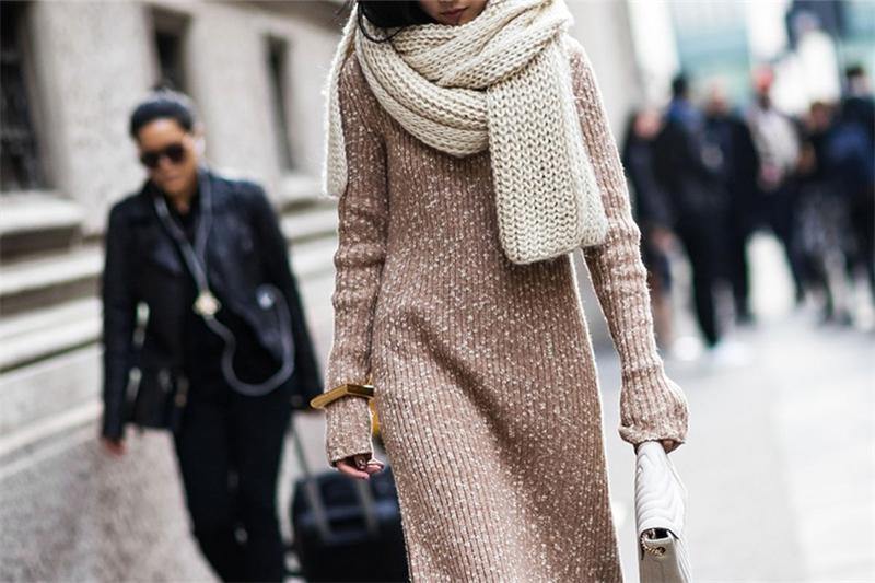 Модный тренд: платье-свитер