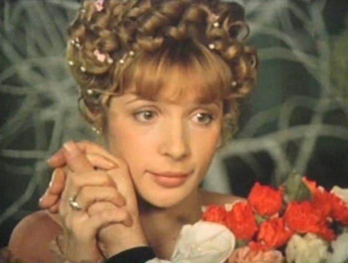 Кадр из фильма *Искренне ваш*, 1985 | Фото: kino-teatr.ru