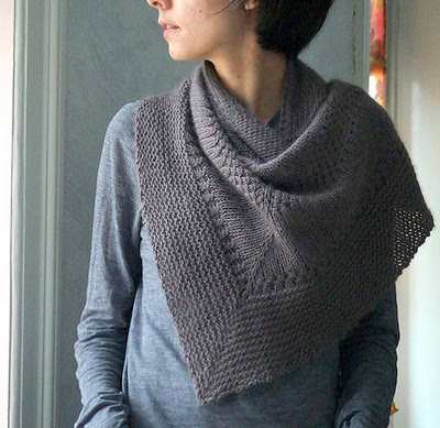 Тёплая, уютная, красивая и очень простая в исполнении шаль