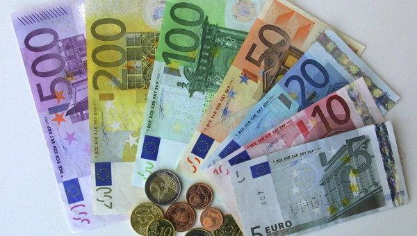 Центробанки стран мира стали меньше верить в евро