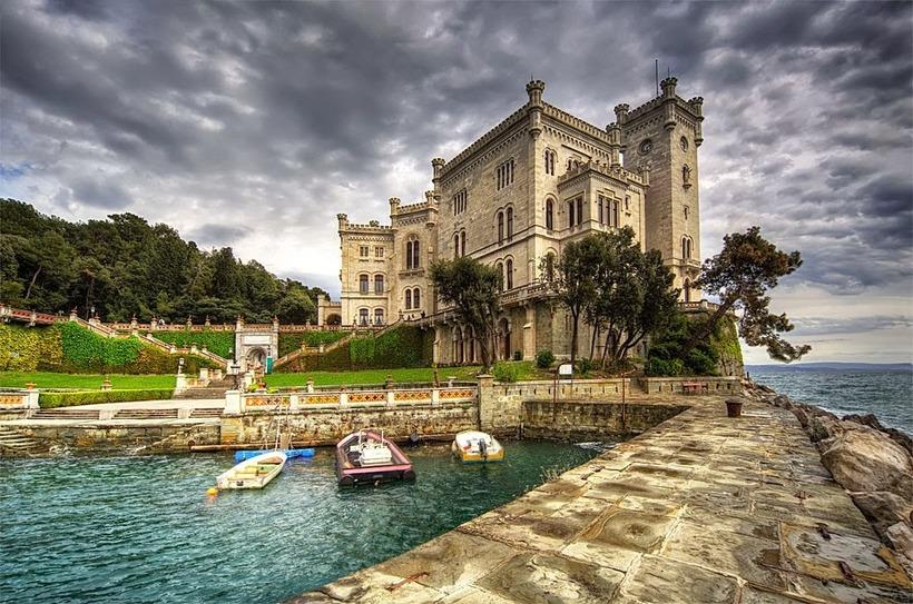 Итальянский замок, дивный настолько, что его можно назвать жемчужиной Средиземноморья