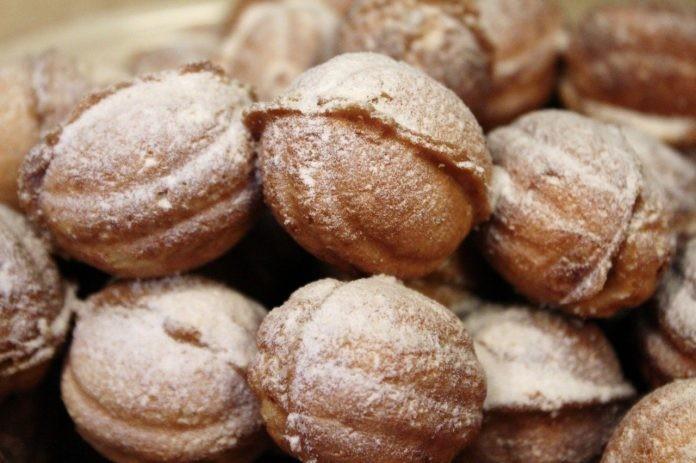 Привет из детства: Печенье «Орешки» со сгущенкой.